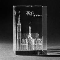3D Kölner Dom in Kristallglas gelasert. 3D Crystal Gebäude in Glas. Souvenir und Geschenkidee