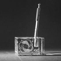 3D Sternzeichen Fische im Stiftehalter aus Glas gelasert. 3D Crystal Kristallglas Motiv