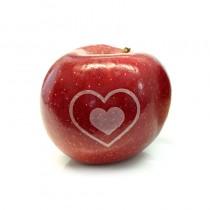 Hochzeitsapfel rot mit Lasergravur Herz. Laser Apfel