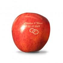 Hochzeitsdeko oder Gastgeschenk. Ihr Name, Datum, Ringe auf Äpfel graviert