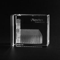 3D Frauenkirche München in Kristall gelasert. Gebäude von 3D Crystal