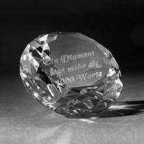 3D Kristall Diamant aus Glas mit Innenlaserung. Motiv zum Thema Liebe
