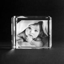Ihr Foto in 3D Glas. Die Geschenkidee zur Geburt
