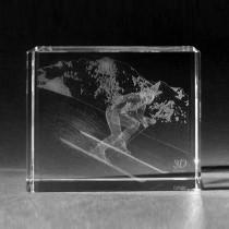 3D Glas Skifahrer. 3D Lasergravur Grüner Laser Products