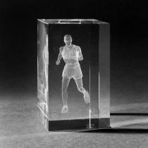 3D Kristall. Motiv Jogger in Glas gelasert