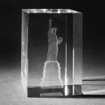3D Souvenir Freiheitsstatue in Kristallglas gelasert. Geschenkidee für New York Fans by 3D Crystal