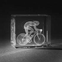 3D Motiv Rennradfahrer in Kristallglas gelasert. 3D Crystal Sport in Glas