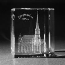 3D Wiener Stephansdom in Glas gelasert. 3D Crystal Gebäude in Kristallglas. Souvenir,Geschenk