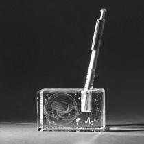 3D Sternzeichen Steinbock im Stiftehalter aus Glas gelasert. 3D Crystal Motive in Kristallglas