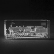3D Lokomotive in Kristallglas gelasert