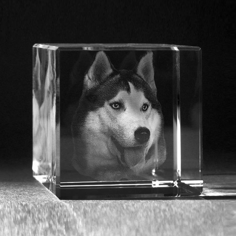 3D Foto dreidimensional in Kristallglas gelasert